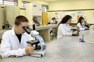 Núcleo Regional de Educação oferece várias vagas para cursos técnicos gratuitos
