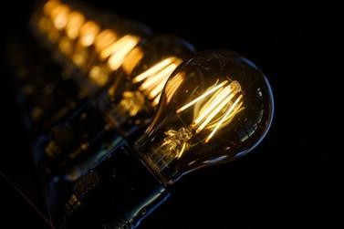 Aneel define bandeira tarifária amarela para janeiro e reduz custo da energia