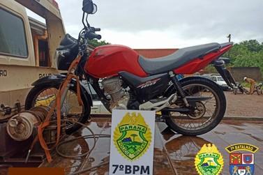 Adolescente rouba motocicleta e é preso em seguida