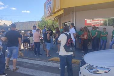 Comerciantes realizam protesto e ACICO toma medidas contra Decreto em Cruzeiro