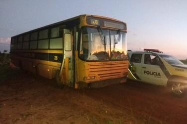 Ônibus escolar com contrabando é localizado pela Polícia Militar