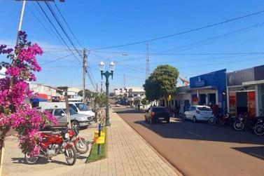 Prefeito Bóia flexibiliza decreto em Tuneiras, permitindo abertura do comércio