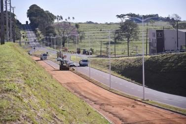Empresa recupera pontos do pavimento da Avenida Ivo Sooma após ser notificada