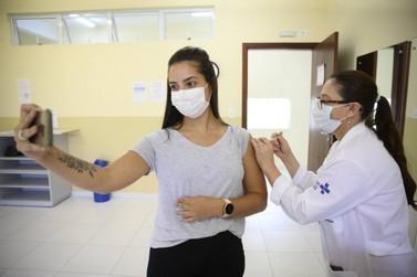 No Paraná, 2,1 milhões de pessoas foram imunizadas fora dos grupos prioritários