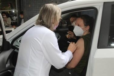 Paraná é o 3º estado que mais aplicou vacinas contra a Covid-19