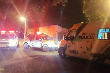 Polícia prende 13 pessoas e apreende quatro adolescentes durante festa