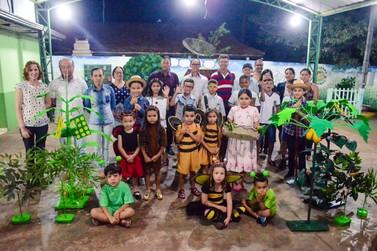 Douradina: Projeto de combate a pragas na lavoura mobiliza alunos e agricultores