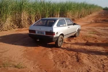 Policiais do 7° BPM recuperam veículo furtado e apreendem drogas