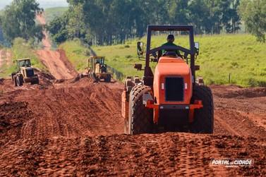 Prefeitura de Douradina começa a readequação das estradas rurais