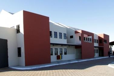 Presos da cadeia de Umuarama são transferidos para Peco
