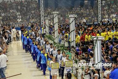 Ginásio lotado e muita emoção na abertura dos Jogos em Douradina