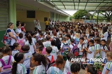 Mais de 2 mil alunos voltam às aulas nesta sexta-feira em Douradina