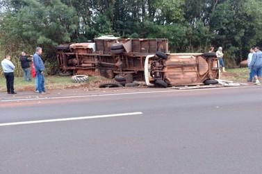 Caminhoneiro morre em acidente na BR-376, em Alto Paraná
