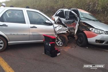 Criança é salva por cadeirinha em grave acidente na PR-468