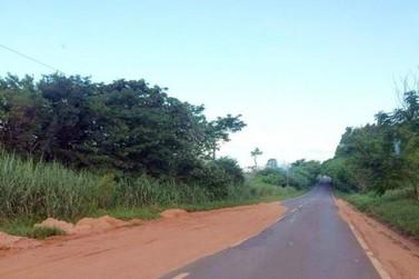 Assaltantes armados interceptam caminhonete na rodovia entre Umuarama e Mariluz