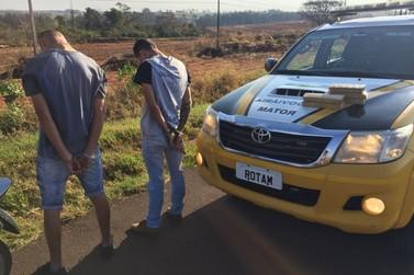 Dois jovens são abordados com droga na PR-323 em Cruzeiro do Oeste