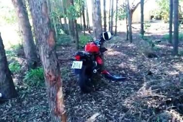 Morador de Ivaté morre após bater moto em árvore na rodovia PR-180