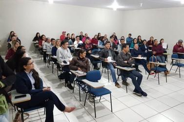 Palestra Motivacional marcou a volta às aulas da Anhanguera em Douradina