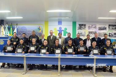 Policiais militares de Douradina são homenageados por ato de bravura