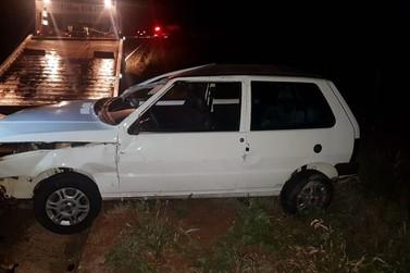 Motorista atropela boi e bate de frente contra outro carro, na PR-485