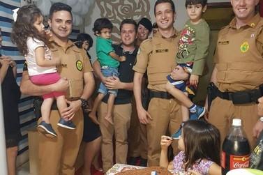 Policiais fazem surpresa em aniversário de criança em Porto Rico