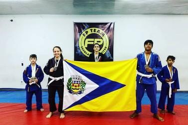 Atletas douradinenses brilham em campeonato de jiu jitsu