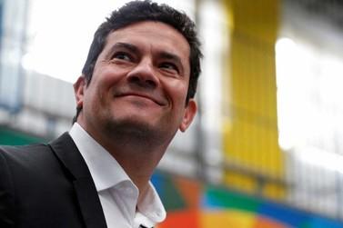 Bolsonaro diz que convidará Sérgio Moro para ministro da Justiça ou para o STF