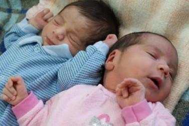 Gêmeos nascem em meses diferentes no Paraná