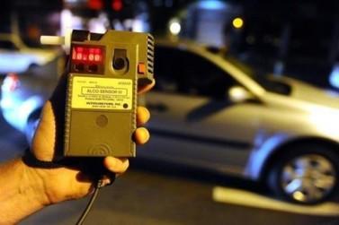Motorista embriagado é preso após tentar subornar policiais em Umuarama