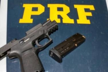 Policial militar é preso com arma sem registros em posto da PRF