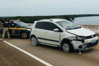 PRF recupera veículo furtado em Santa Catarina e prende batedores