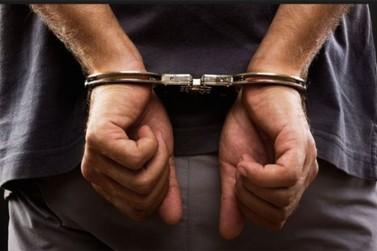 Homem é preso após oferecer droga a policial de folga em Porto Rico