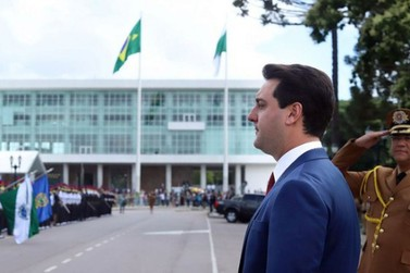 Ratinho Junior exonera todos os cargos comissionados do Estado