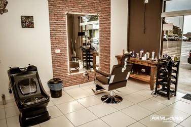 Barbearia Seu Moacir traz conceito inovador para Douradina