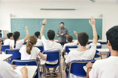 Concurso para professor do Estado é anunciado e terá mil vagas