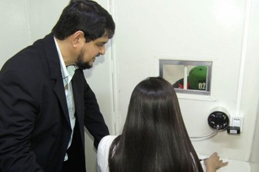 Unipar instala parlatório na carceragem da delegacia de Umuarama
