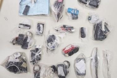 Agentes apreendem materiais ilícitos na penitenciária de Cruzeiro do Oeste