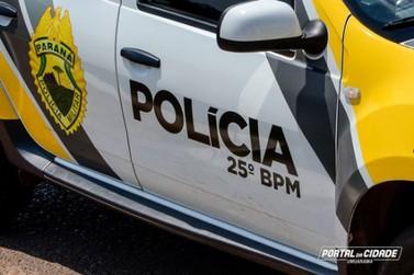 Dupla é presa pela polícia com motocicleta furtada e maconha em Umuarama