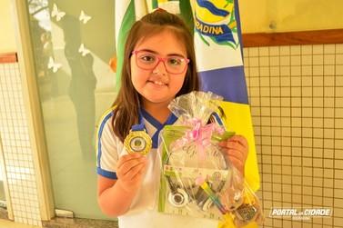 Aluna de Douradina supera 17 mil estudantes e conquista 1º lugar em prova