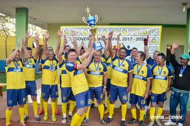 Jardim Padre Ivo é campeão do Campeonato Municipal de Futebol em Douradina