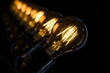 Conta de luz segue com bandeira vermelha e tarifa mais cara em setembro