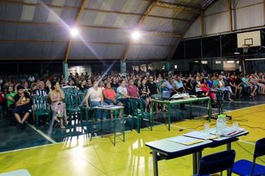 Combate a evasão escolar é tema na reunião de pais do Colégio Estadual Douradina
