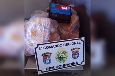 Homens são presos suspeitos de furtar 40 kg de carne em Douradina