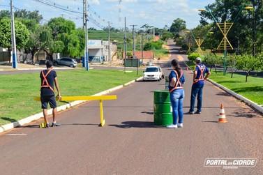 Douradina implanta barreiras sanitárias nas entradas da cidade