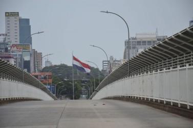 Presidente do Paraguai considera reabrir fronteiras com o Brasil uma ameaça