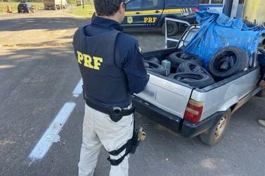PRF apreende pneus e cigarros contrabandeados em Alto Paraíso