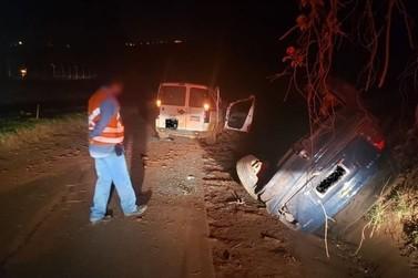 Quatro pessoas ficam feridas em acidente na PR-082, em Cidade Gaúcha