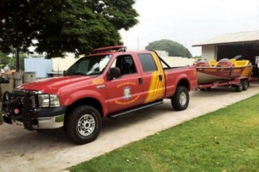 Bombeiros fazem buscas por homem desaparecido no Rio Ivaí