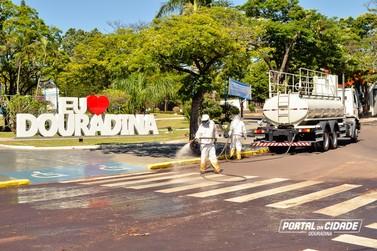 Prefeitura realiza desinfecção em locais com grande concentração de pessoas