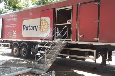 Carreta do Hospital do Câncer de Barretos realiza atendimentos em Douradina